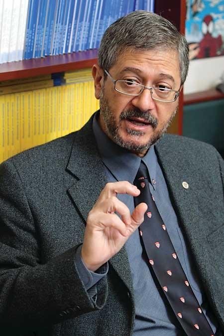 Le Dr Eduardo Franco, photo: Owen Egan