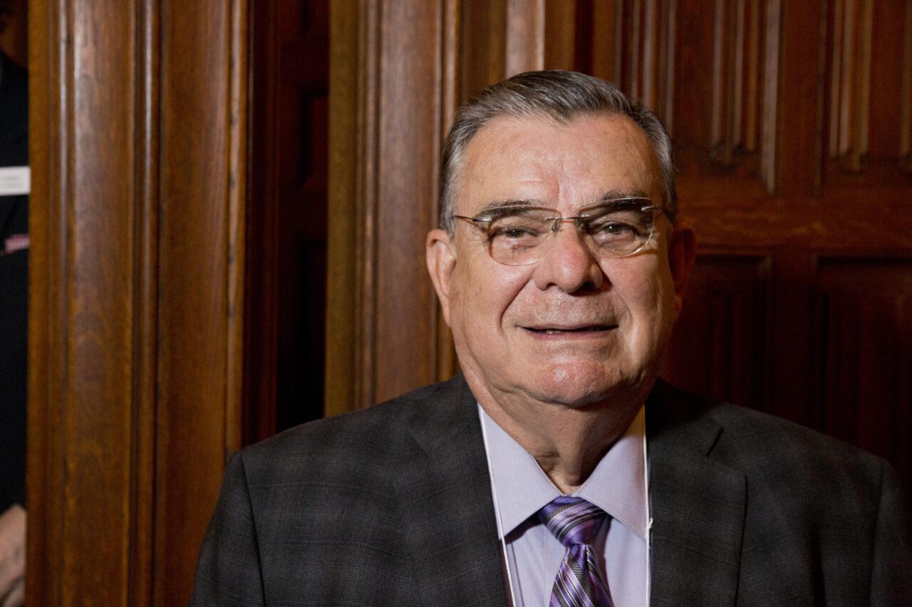 Le Hondurien Carlos Medina, MDCM 1964, se souvient du sentiment de liberté qu'il a appris en tant qu'étudiant à l'Université McGill. (photo: Nicolas Morin)