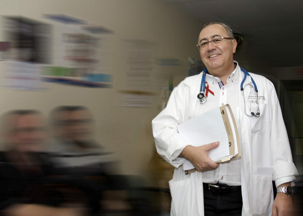 Dr Routy au Service des maladies virales chroniques à l'Institut thoracique de Montréal du CUSM