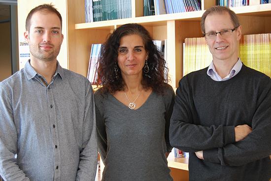 Simon Papillon-Cavanagh, candidat au doctorat à l'Universtié McGill, Dre Nada Jabado et Jacek Majewski, PhD