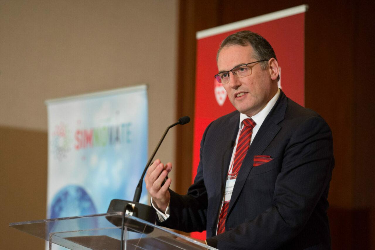 le Dr Russell Gruen, directeur du Nanyang Institute of Technology in Health and Medicine de Singapour (Photo: Owen Egan)